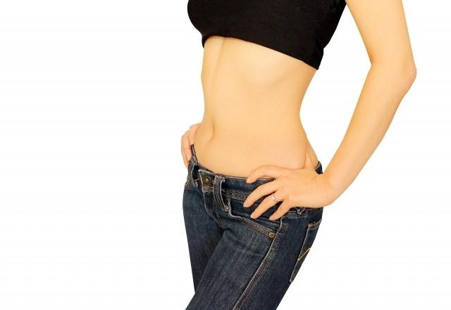 お腹の脂肪の効果的な落とし方やお腹を引き締めるやり方はコレ!