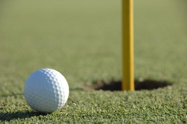 ゴルフボールダイエットのやり方【足裏・肩甲骨・顔】と効果
